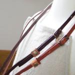 革のネックストラップ